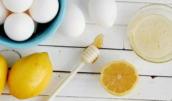 Cách trị mụn cám tại nhà bằng trứng gà